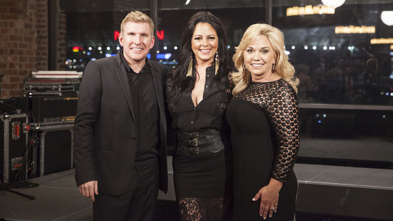 Sara evans will team up with todd chrisley on chrisley knows best sharetweet m4hsunfo