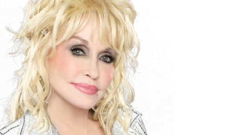 """Dolly Parton Reveals Lyric Video for """"Outside Your Door"""" – Watch Now"""