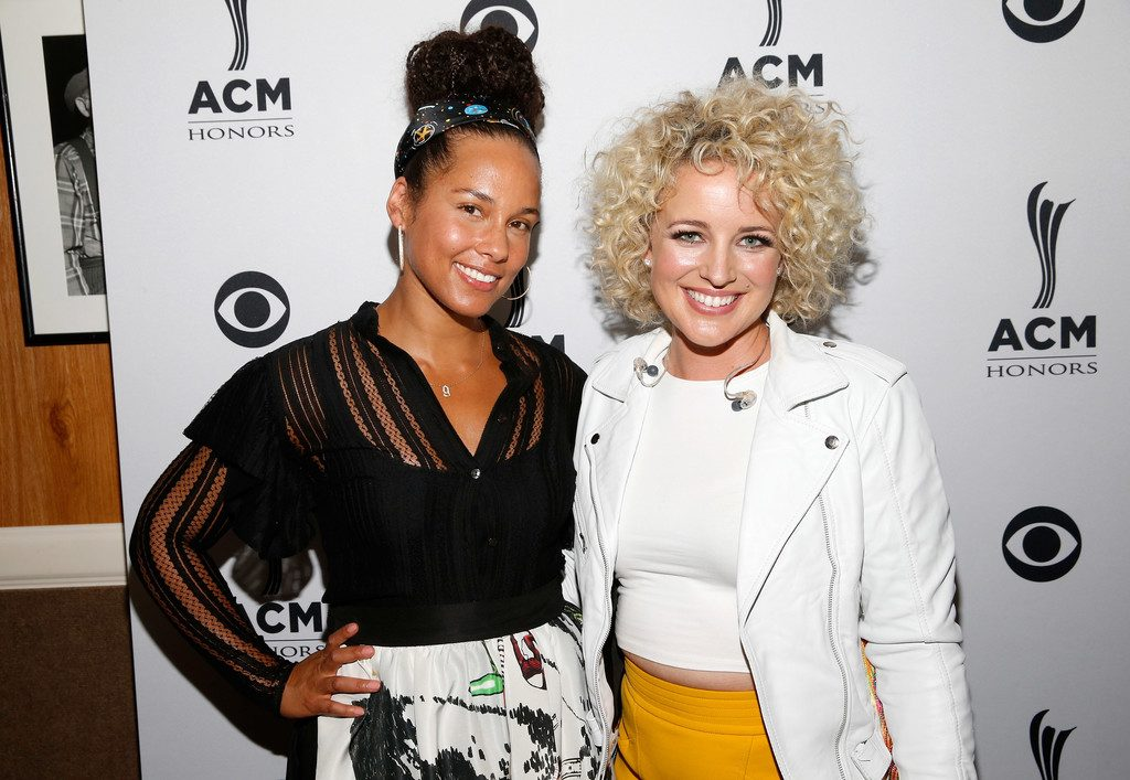 Alicia Keys and Cam attend the 10th Annual ACM Honors at the Ryman Auditorium on August 30, 2016 in Nashville, Tennessee. (Source: Terry Wyatt/Getty Images)