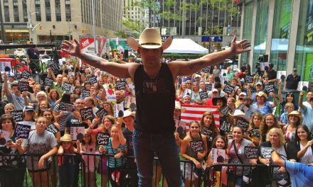 Justin Moore Rocks FOX & Friends + Scores Top Country Album on iTunes