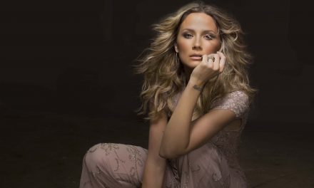 Watch Jennifer Nettles' National Anthem Performance Everyone is Raving Over