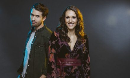 "Q&A: Rising Duo Smithfield Talks Brand-New ""Hey Whiskey"" Music Video"