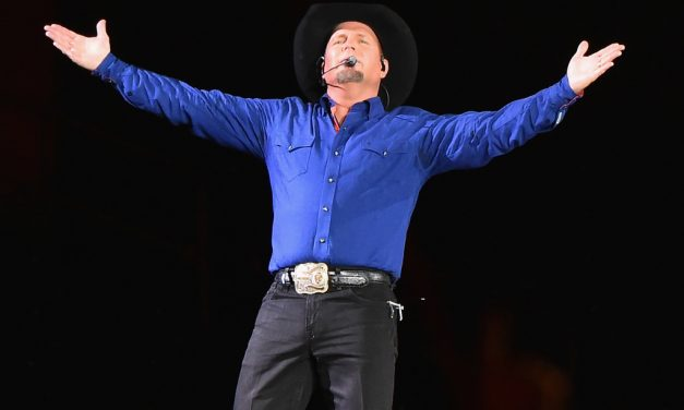 Garth Brooks Breaks South Carolina Record for Most Ticket Sales in Greenville