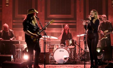 "WATCH: Chris and Morgane Stapleton Perform ""You Are My Sunshine"" on Jimmy Fallon"