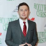VIDEO: Scotty McCreery Shares Holiday Traditions at the 2016 Hollywood Christmas Parade
